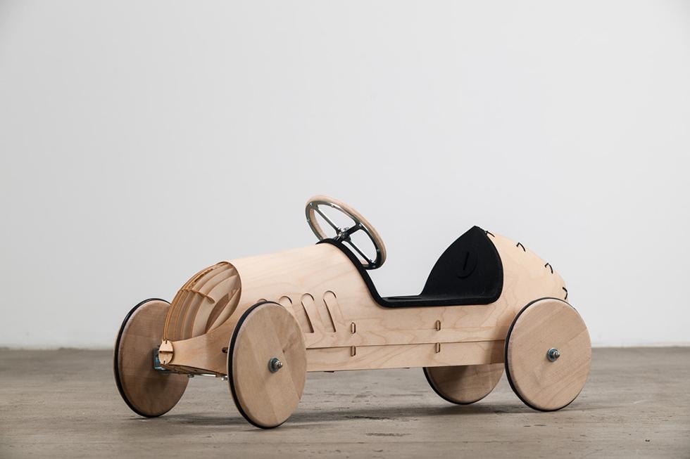 Holzrutschauto MONTIERT