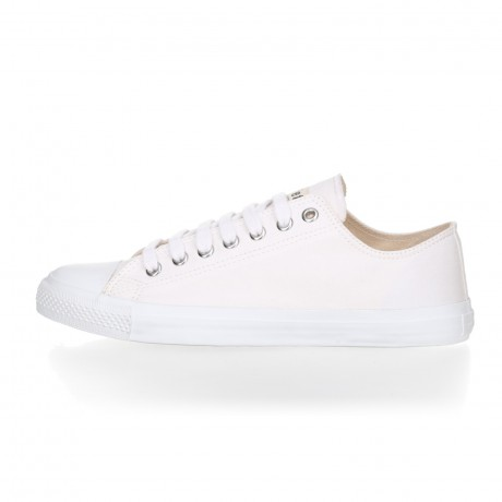FAIR TRAINER White LoCut 18 | Just White